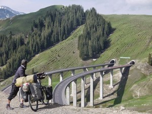 Crossing from Tian Shan to Lake Sayram in hopes of discovering sparkling waters and blooms of wild flowers