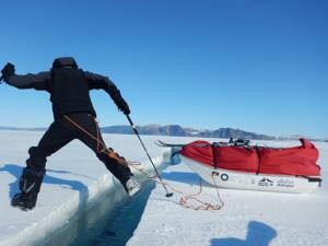 Hopping over melting ice